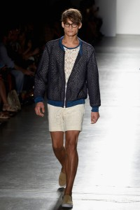 Custo+Barcelona+Runway+Spring+2016+New+York+KqKlsMRJSHul